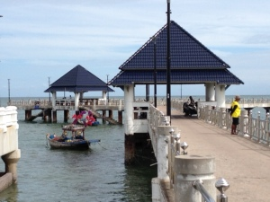 Bang Saen dock area walk