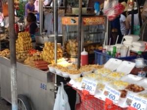 Bang Saen Nong Mon market 11
