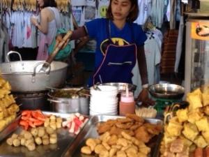 Bang saen Nong Mon market 12