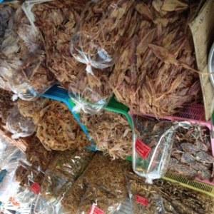Bang Saen Nong Mon market 7