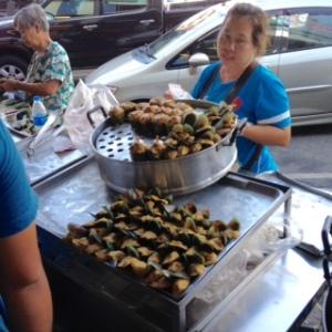 Bang Saen Nong Mon market 9